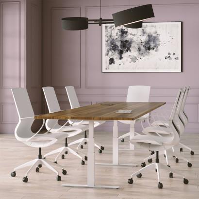 Höhenverstellbarer Schreibtisch, silbernes Gestell und eine schwarze Tischplatte - Premium