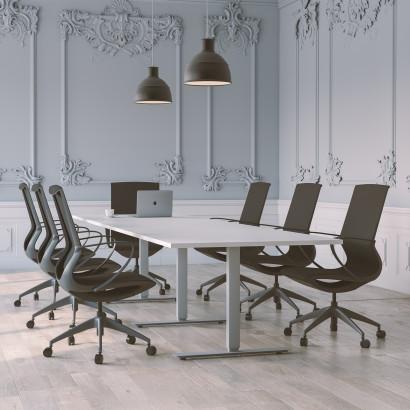 Höhenverstellbarer Schreibtisch, silbernes Gestell und eine Tischplatte in Birke - Premium