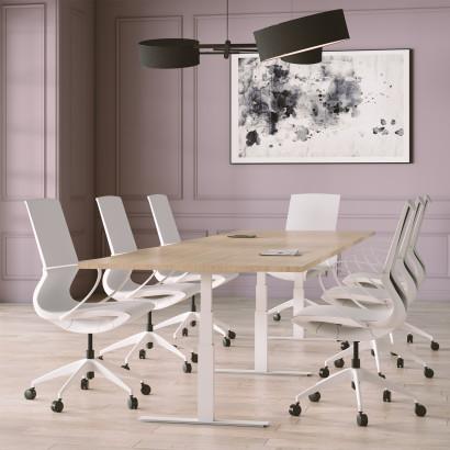 Höhenverstellbarer Schreibtisch,silbernes Gestell und eine Tischplatte in Walnuss - Premium