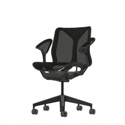Höhenverstellbarer Schreibtisch in Eckform, schwarzes Gestell und eine Tischplatte in Walnuss- Premium