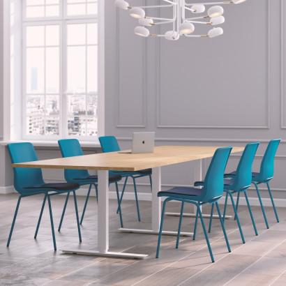 Höhenverstellbarer Schreibtisch in Eckform, silbernes Gestell und eine Tischplatte in Walnuss - Premium