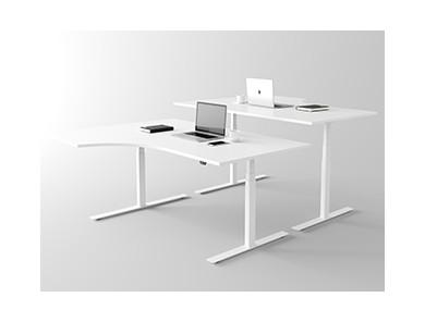 Schreibtisch geschwungen | DPJ Workspace