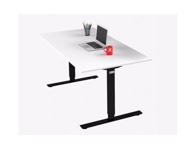 Skrivebord med T-stativ - På lager nu!